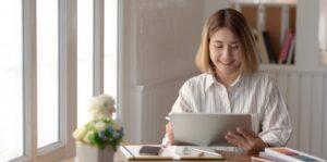 Ikuti 5 Cara Ini Agar Tetap Fit Saat Bekerja
